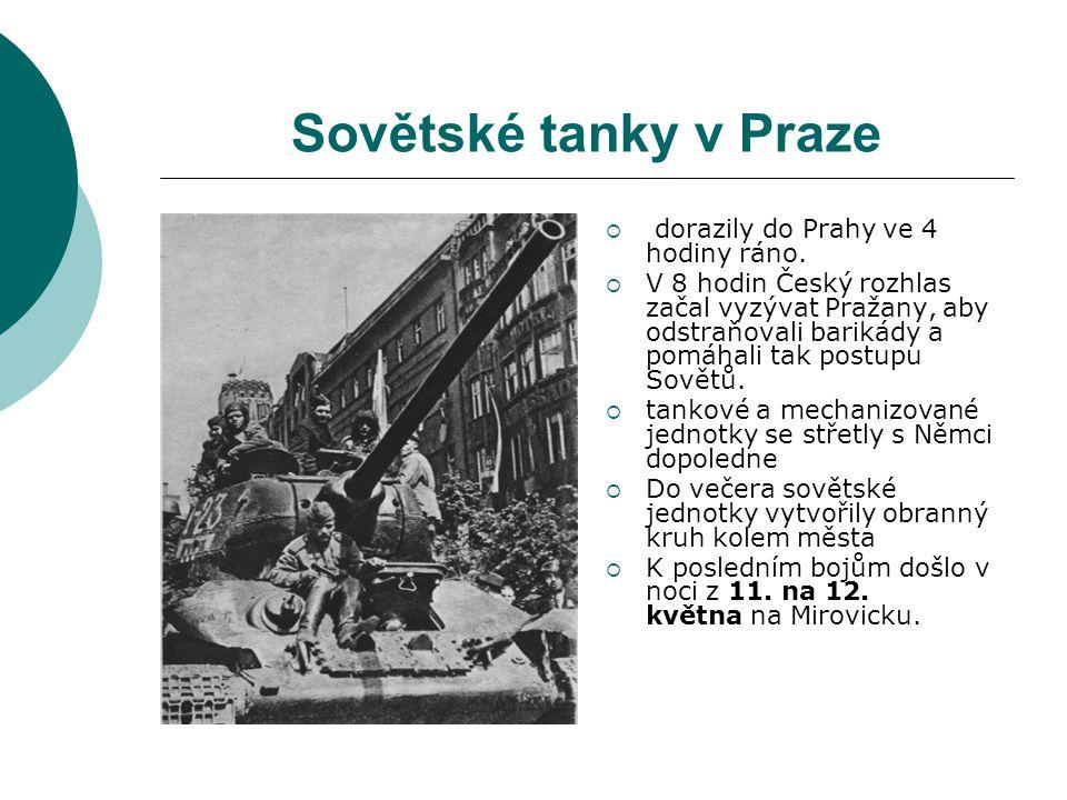 Sovětské tanky v Praze  dorazily do Prahy ve 4 hodiny ráno.  V 8 hodin Český rozhlas začal vyzývat Pražany, aby odstraňovali barikády a pomáhali tak