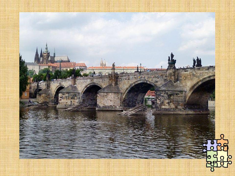  Úprava Pražského hradu – královský palác. Další Karlovy zakladatelské a stavební zásluhy: