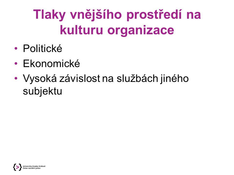 Výhody a nevýhody v decentralizované organizaci Výhody Možnosti terénní práce.
