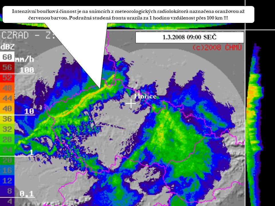 Hořice Intenzivní bouřková činnost je na snímcích z meteorologických radiolokátorů naznačena oranžovou až červenou barvou. Podružná studená fronta ura
