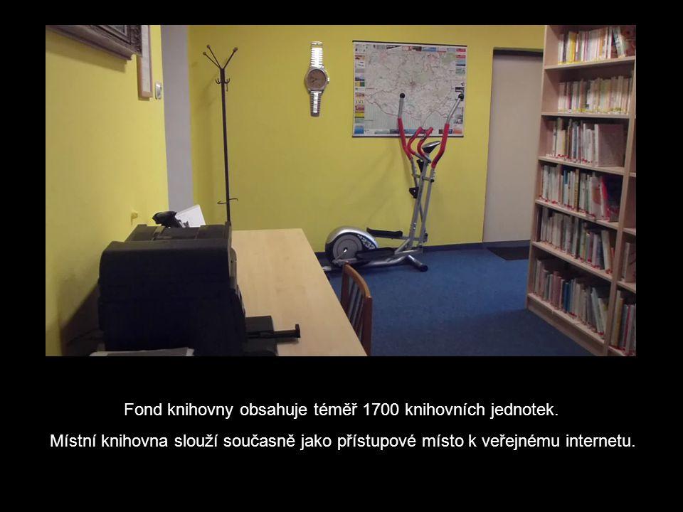 Fond knihovny obsahuje téměř 1700 knihovních jednotek.