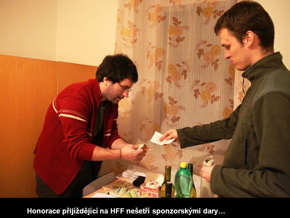 Honorace přijíždějící na HFF nešetří sponzorskými dary…
