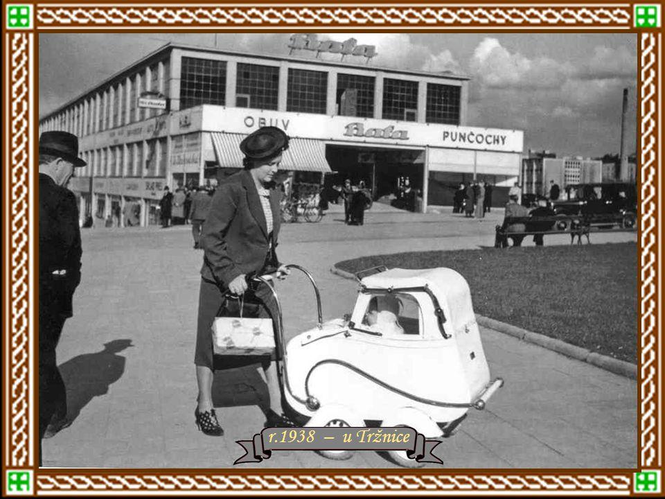 Tržnice a Obchodní dům r.1936 – vzadu Masarykovy školy Vlevo tovární budova č.91