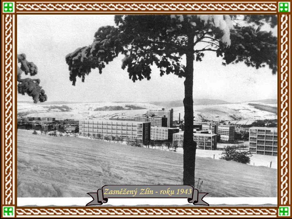 rok 1940 - Radnice vystavěná r.1923 r.1941 – ul.Kamenná, nyní Slovenskár.1943 - Radnice a Lidmilovo železářství