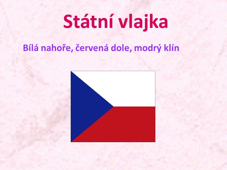 Státní vlajka Bílá nahoře, červená dole, modrý klín