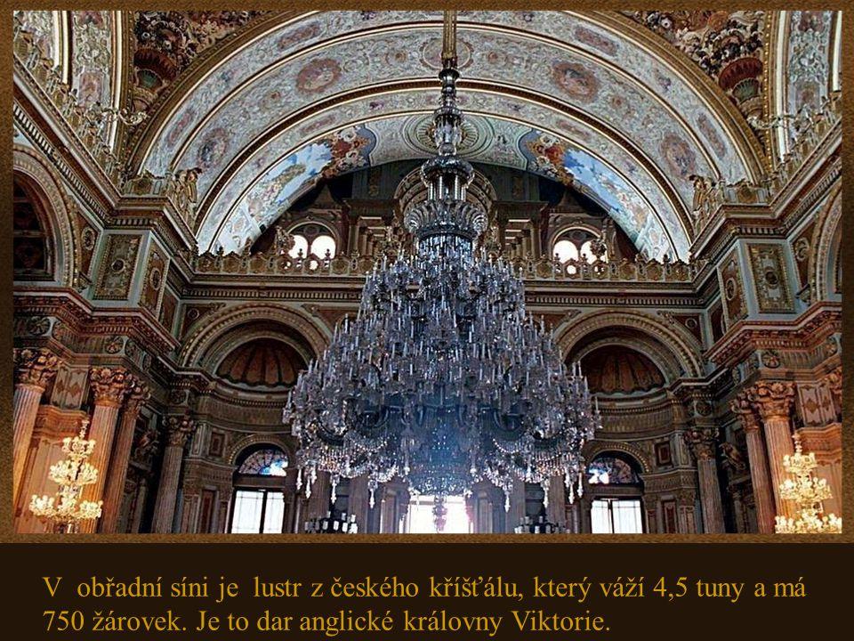 M ustafa Kemal Atatürk, zakladatel a první prezident turecké republiky, používal palác jako prezidentskou rezidenci a vypracoval zde některé z nejdůle