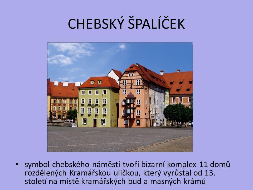 CHEBSKÝ ŠPALÍČEK symbol chebského náměstí tvoří bizarní komplex 11 domů rozdělených Kramářskou uličkou, který vyrůstal od 13. století na místě kramářs