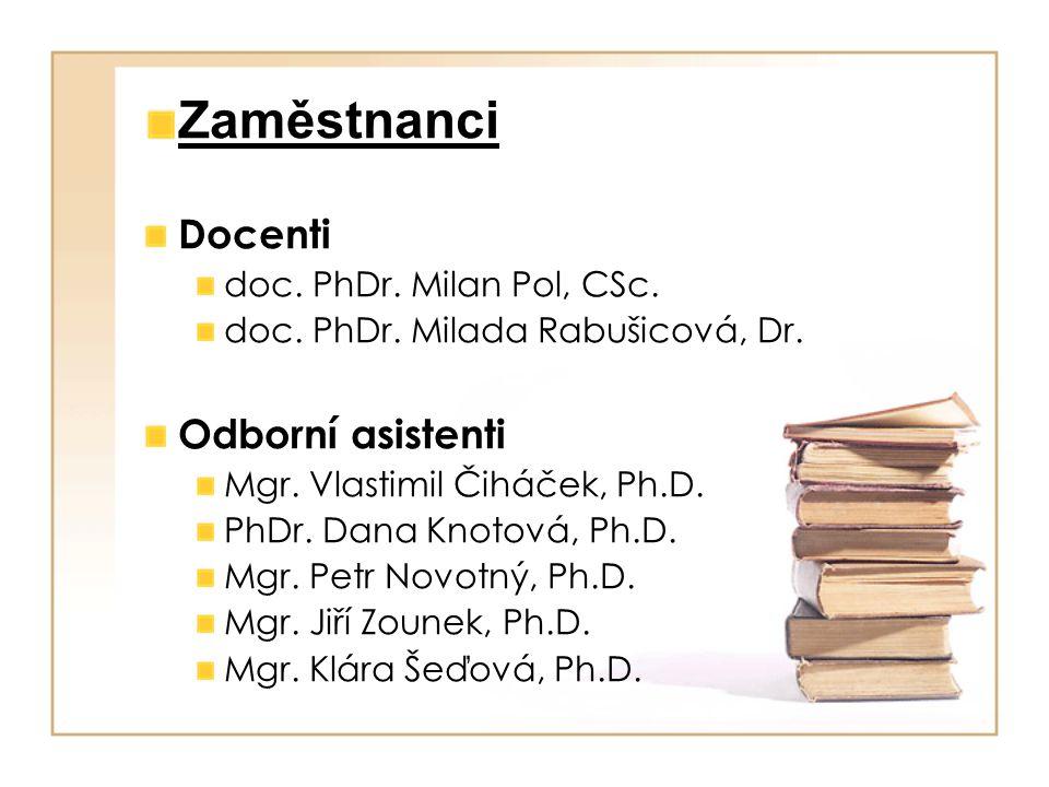 Počty uchazečů a přijatých (prezenční studium) www.phil.muni.cz/studium/prijimaci_rizeni