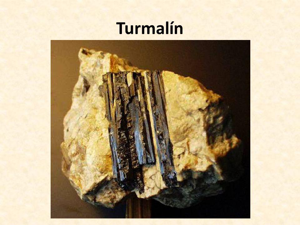 Turmalín