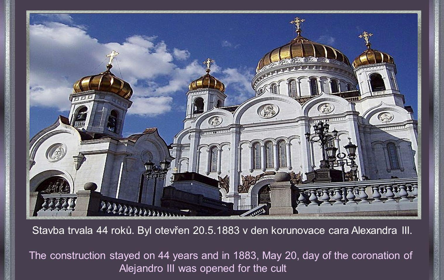 V r. 1812 po porážce francouzských vojsk dal car Alexandr I. postavit chrám