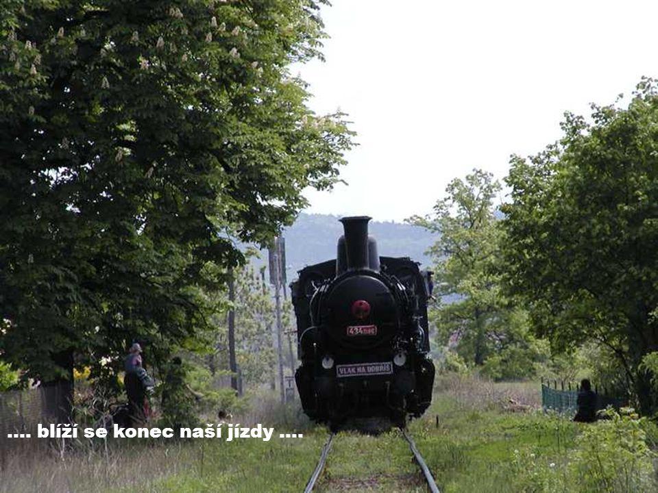 """…. a do kopce nás musí tlačit motorová lokomotiva 742.329 zvaná """"kocour ."""