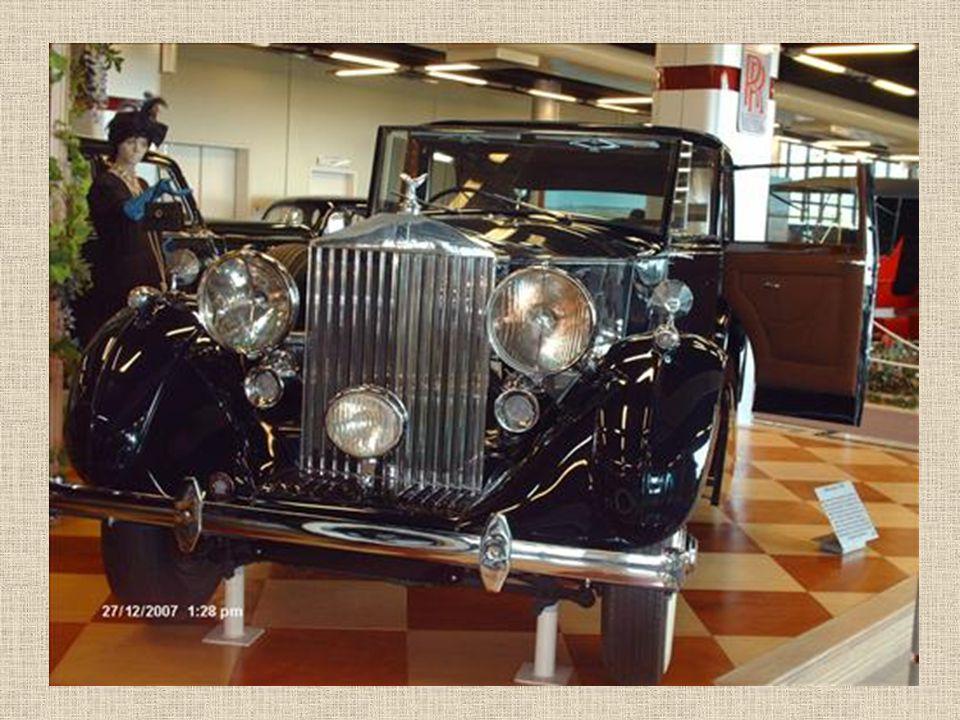 Stojan s Rolls Royce
