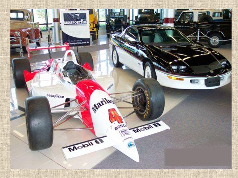 Formule Indy – auto v kterém Emerson Fittipaldi vyhrál 500 mil v Indianapolis v roce 1993