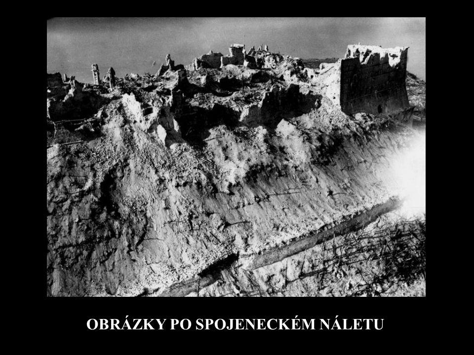 MONTECASSINO NA VRCHOLU HORY (519 m) SE TYČÍ KLÁŠTER MONTECASSINO – NEJSTARŠÍ KLÁŠTER ZÁPADNÍHO MNIŠSTVÍ - KOLÉBKA BENEDIKTINSKÉHO ŘÁDU – ZALOŽENÝ UŽ