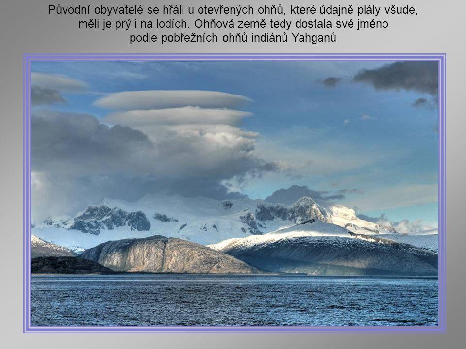 Punta Arenas, Chili, sur le détroit de Magellan Punta Arenas, Chile, na Strait Magellan