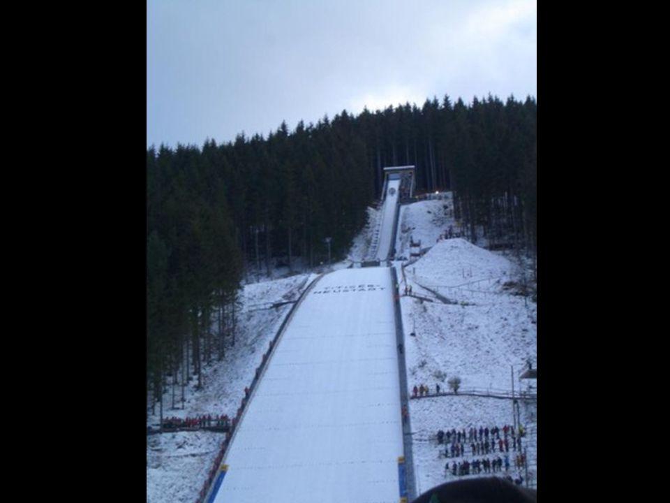 Akrobatické lyžování-jízda v boulích, akrobatické skoky, skikros sestavila www.jesterka3.webgarden.cz