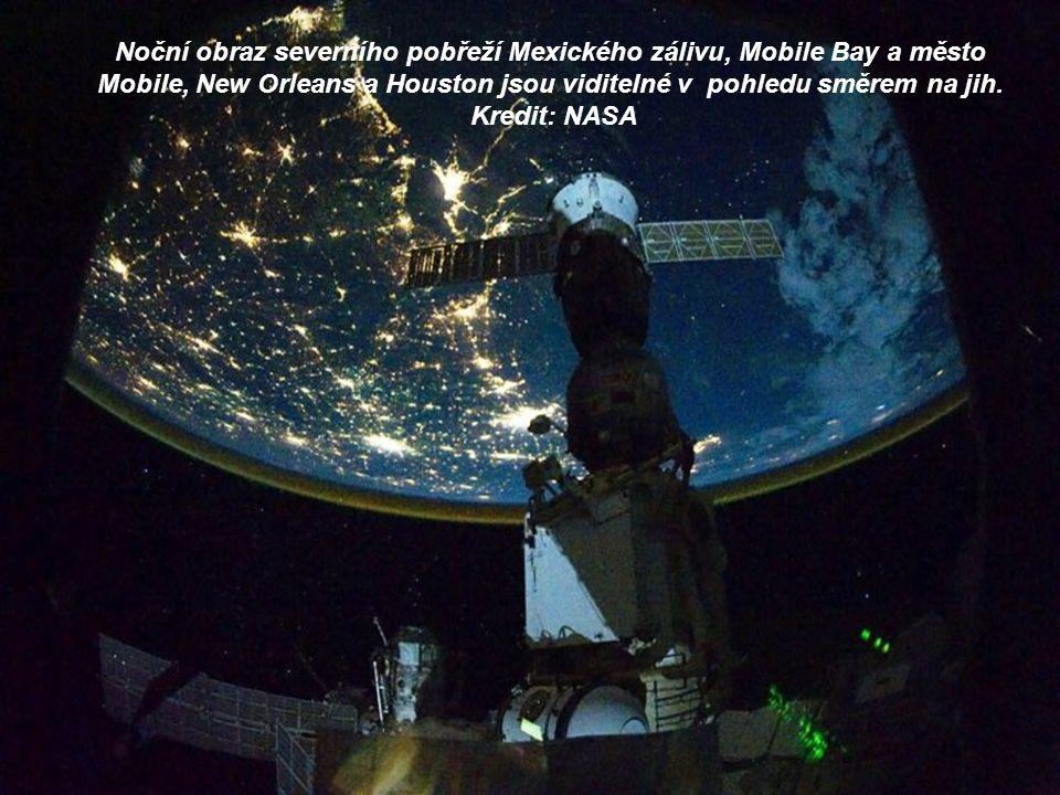 Některé části Evropy a Afriky jsou snadno rozpoznatelné v tomto snímku pořízeném v noci na ISS.