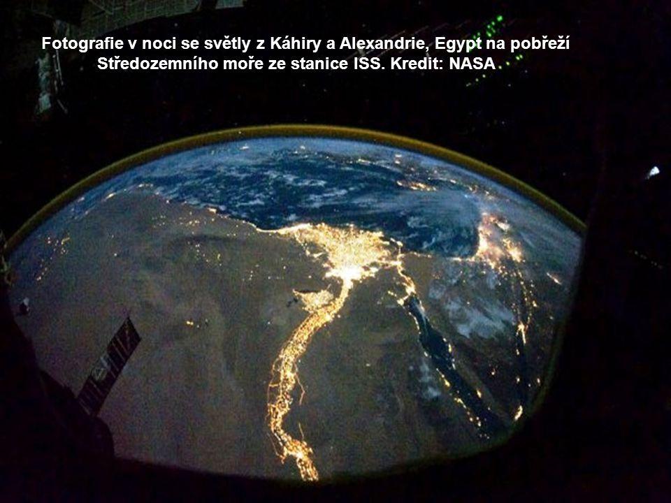 Nil a Egypt ve dne. Pohled na poušť Sahara.