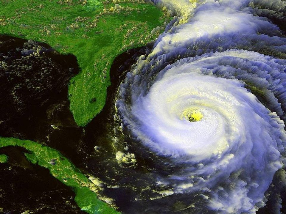 Hurikán při pobřeží Floridy ►