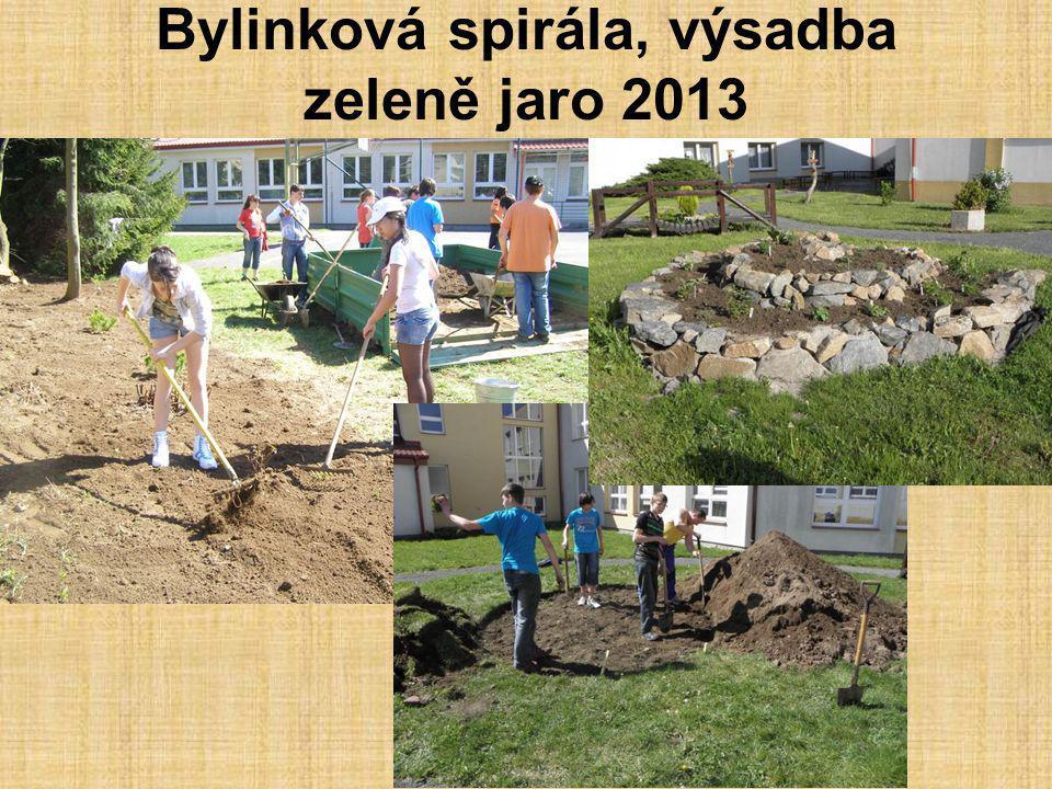 Bylinková spirála, výsadba zeleně jaro 2013