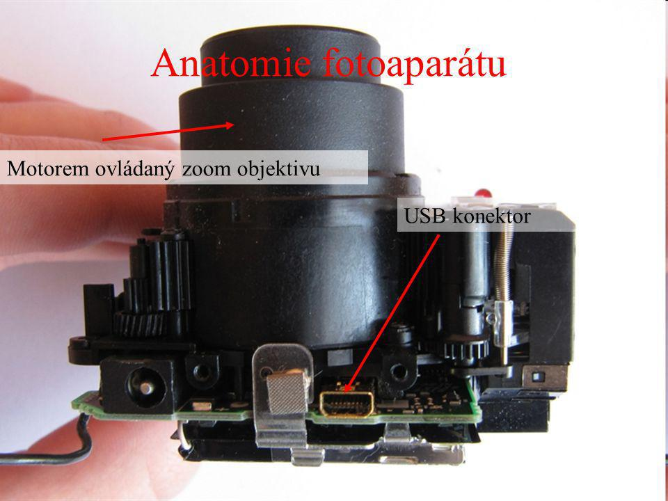 Motorem ovládaný zoom objektivu USB konektor