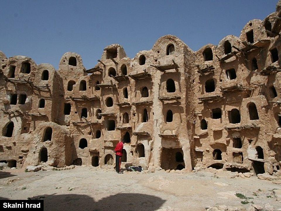 Touaregové jsou berberští kočovní pastevci. Jsou to hlavní obyvatelé saharské části severní Afriky.