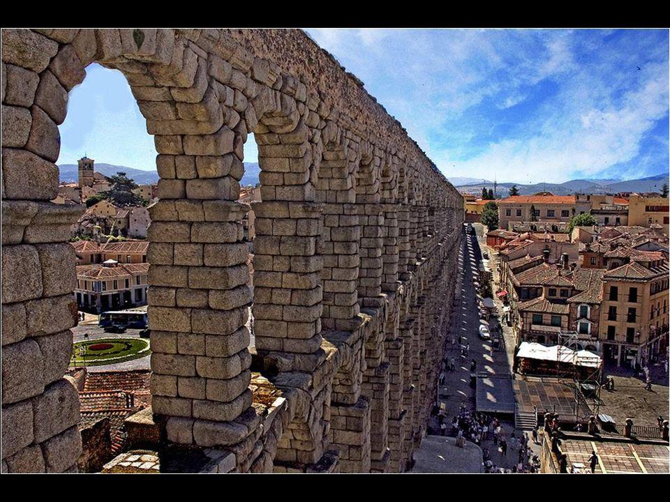 V r. 1985 byl Acueducto de Segovia za ř azen do kulturního d ě dictví lidstva.