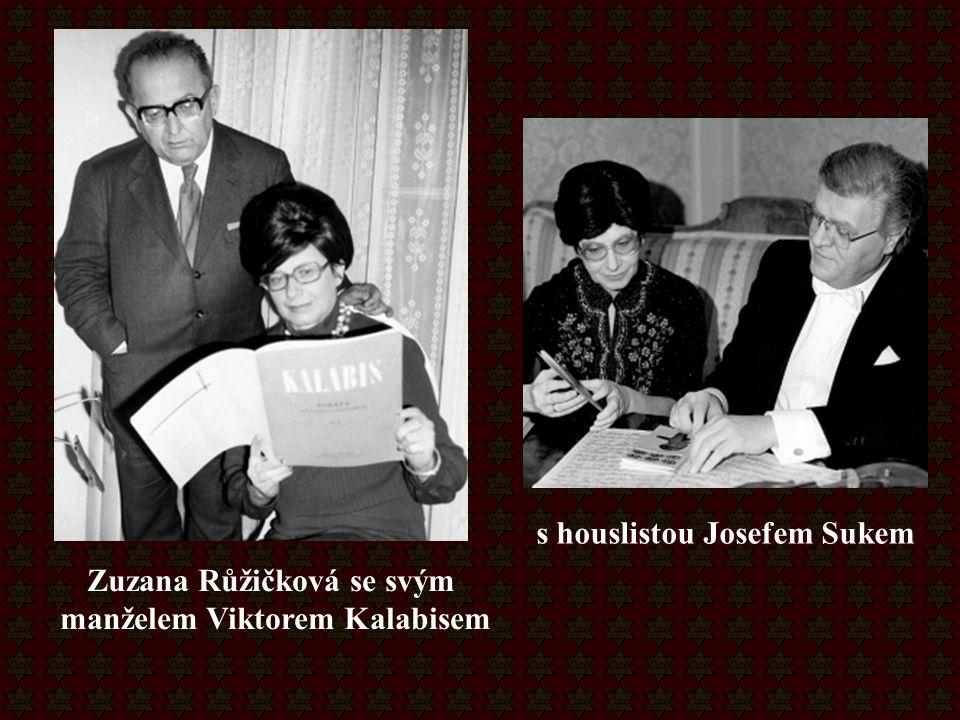 Zuzana Růžičková se svým manželem Viktorem Kalabisem s houslistou Josefem Sukem