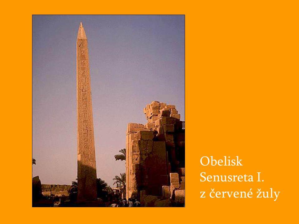 Obelisk Senusreta I. z červené žuly