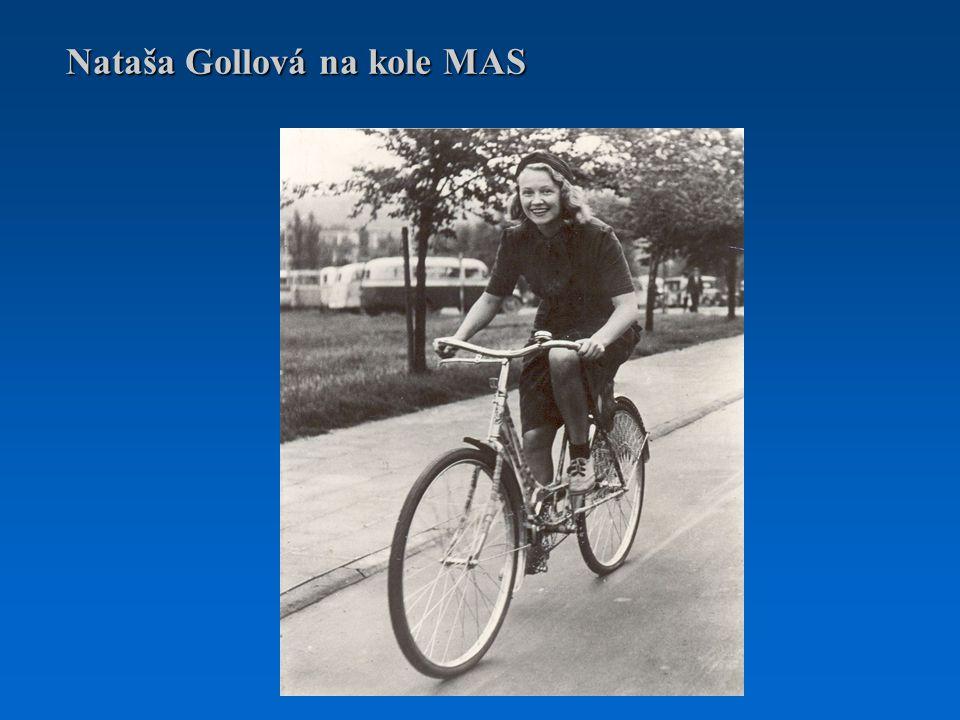 Nataša Gollová na kole MAS
