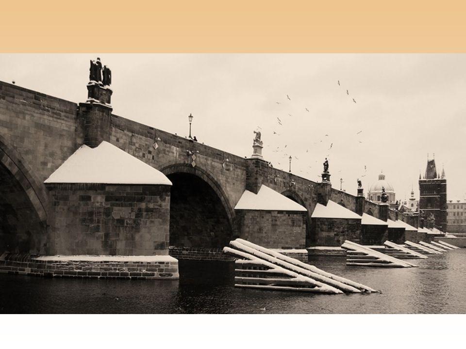 Sochy na Karlově mostě