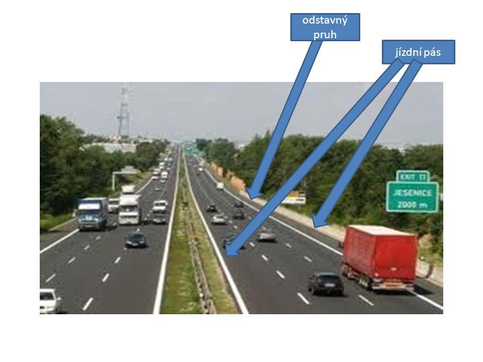 II.Silnice Veřejně přístupná komunikace určená pro provoz silničních vozidel a chodců.