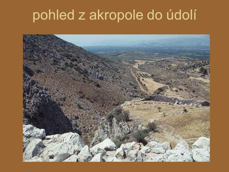 pohled z akropole do údolí
