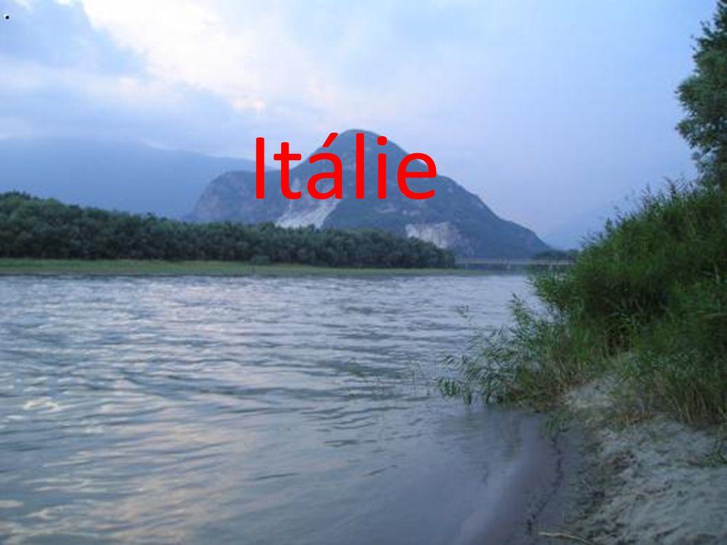 Hlavním městem Itálie je Řím.
