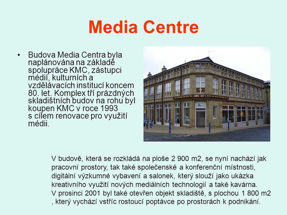 Media Centre Budova Media Centra byla naplánována na základě spolupráce KMC, zástupci médií, kulturních a vzdělávacích institucí koncem 80.