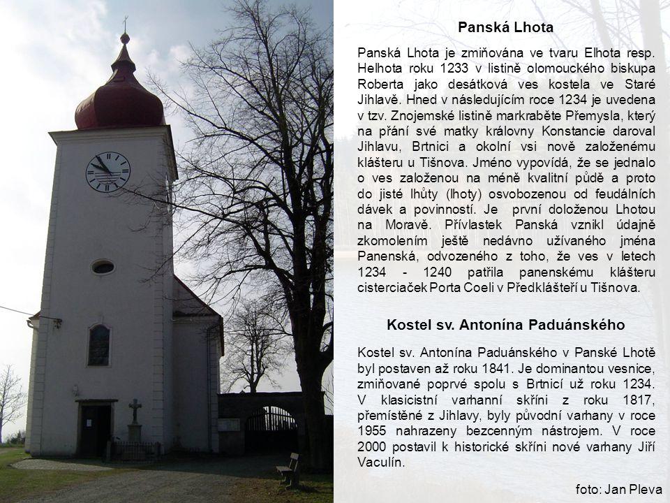 Panská Lhota Panská Lhota je zmiňována ve tvaru Elhota resp. Helhota roku 1233 v listině olomouckého biskupa Roberta jako desátková ves kostela ve Sta