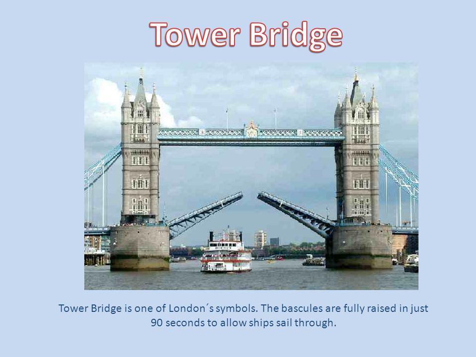 Tower Bridge is one of London´s symbols.