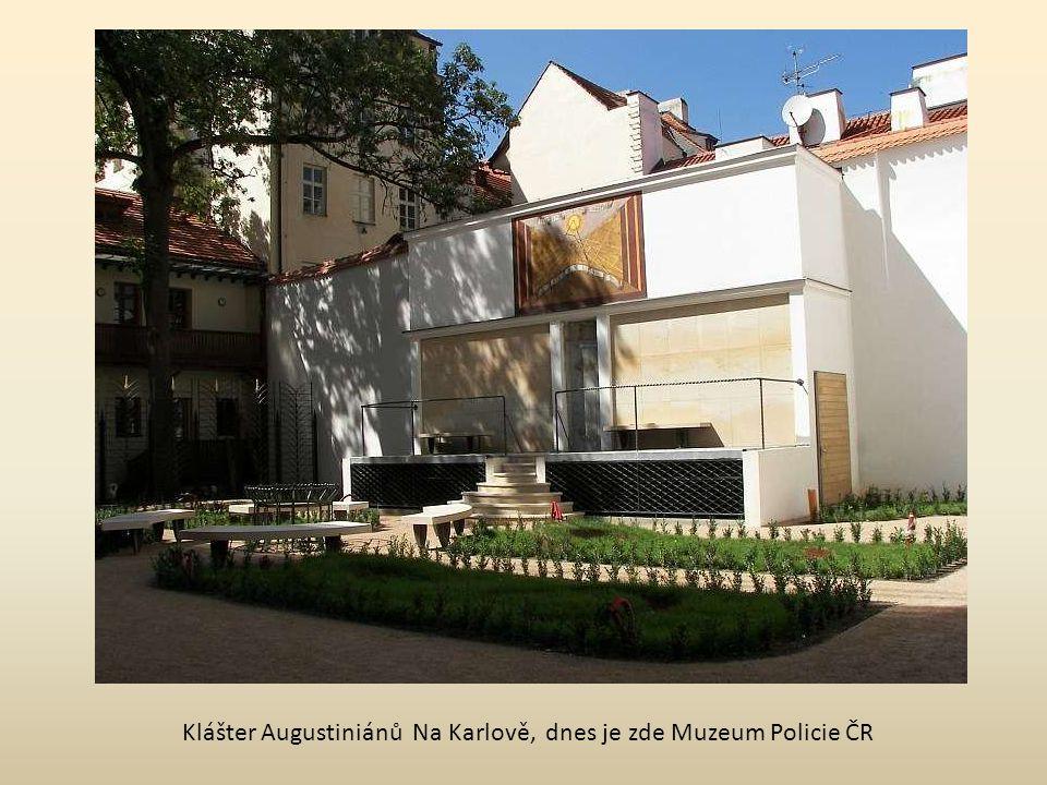 hřbitov Malvazinky SLOUPOVÉ SLUNEČNÍ HODINY Kinského zahrada detail