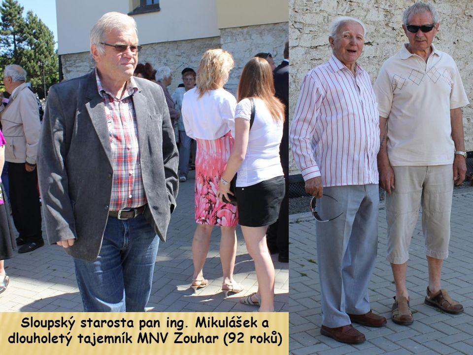Sloupský starosta pan ing. Mikulášek a dlouholetý tajemník MNV Zouhar (92 roků)