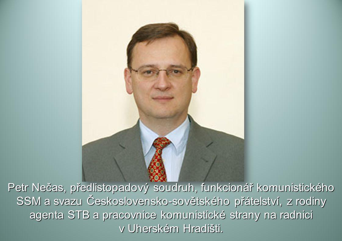 Arogantní narcis soudruh a poloprofesor Klaus, agent STB a KGB, který v prosinci 1989 stihl včas zlikvidovat své složky na ministerstvu vnitra, aby mo