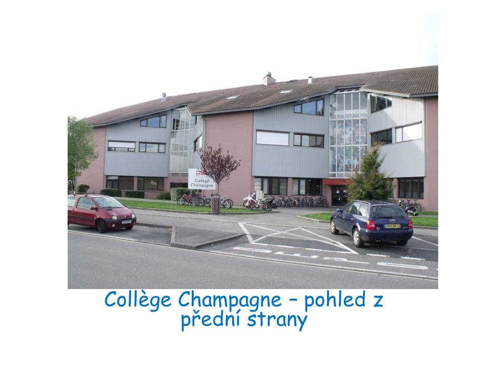 Collège Champagne – pohled z přední strany