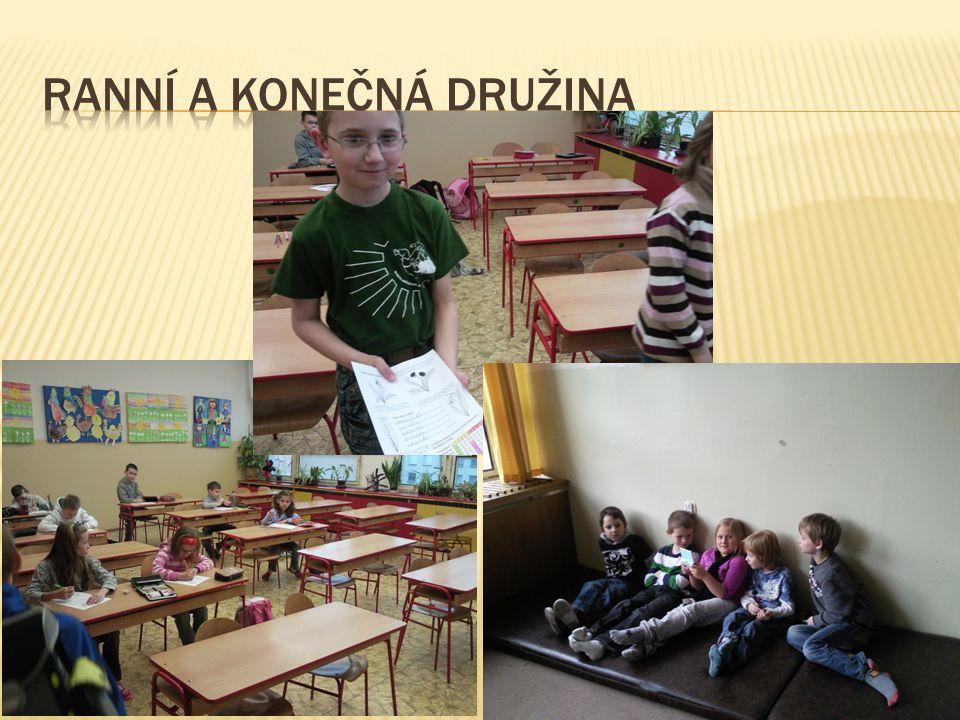  V září jsou žáci rozděleni do oddělení, kterých je celkem 5.