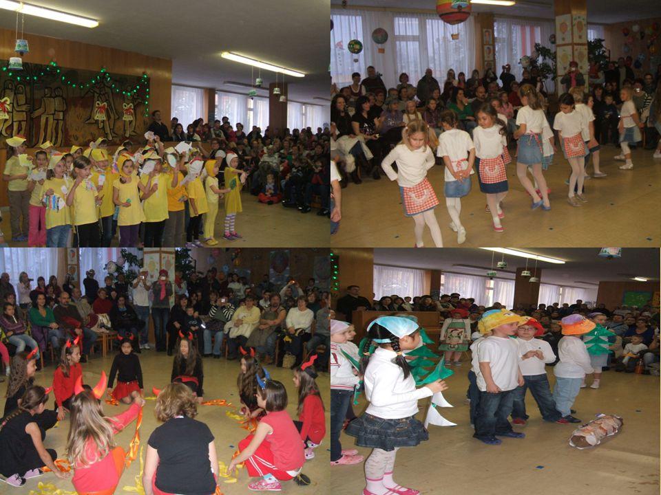  Hrajeme si v klubovnách a pořádáme již tradičně Karneval školní družiny.
