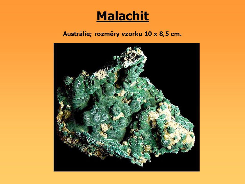 Malachit Austrálie; rozměry vzorku 10 x 8,5 cm.