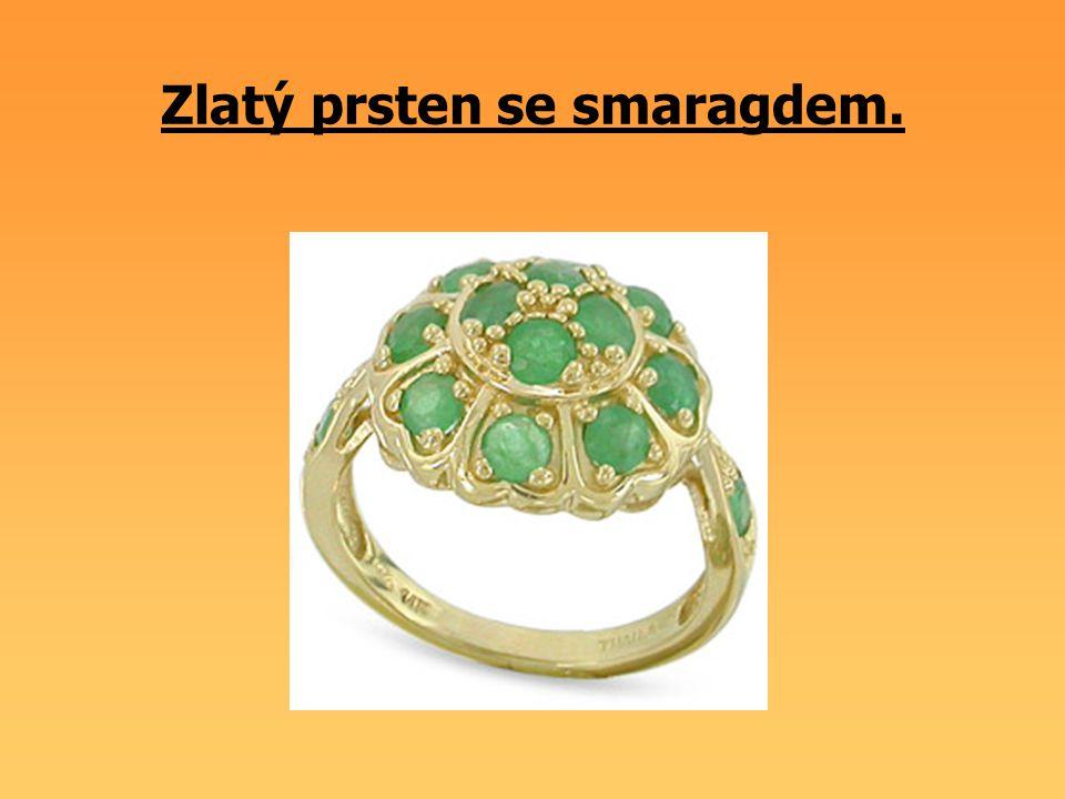Zlatý prsten se smaragdem.