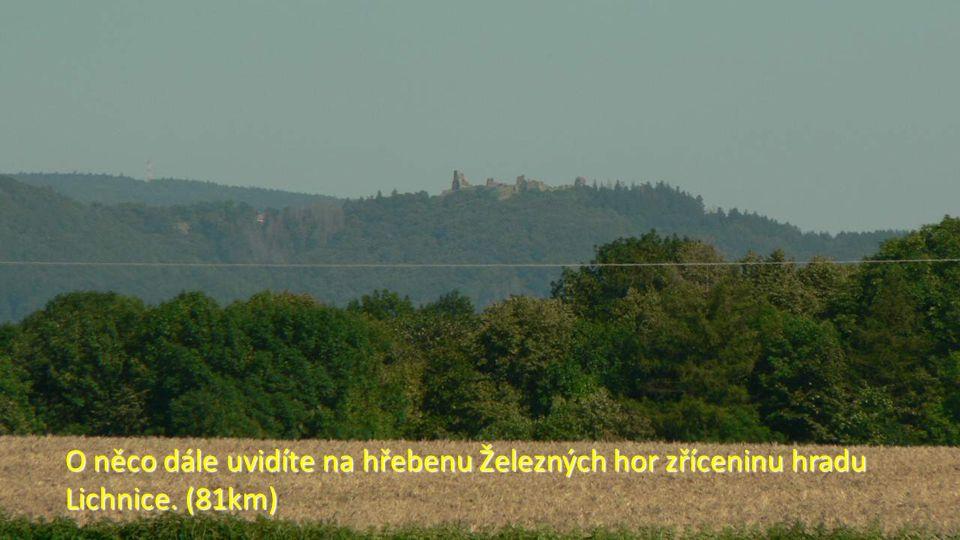 Zde už se blížíte k šestiboké kapli u Schořova, s výhledem na Čáslav. (81km)