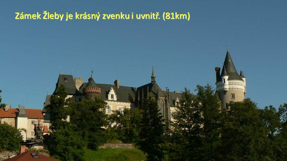 O něco dále uvidíte na hřebenu Železných hor zříceninu hradu Lichnice. (81km)