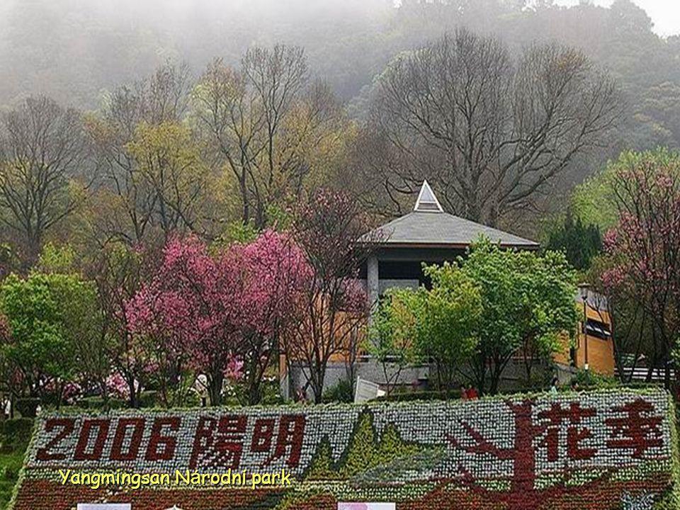 Vulkanická aktivita neklidné oblasti v Yangmingsan Národním parku