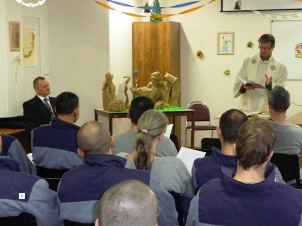 Pojetí kurzu Cíl: seznámit se s realitou duchovenské péče ve věznicích (legislativa, koncepty, organizace, náplň práce, základní témata), být schopen zapojit se jako dobrovolník do spolupráce s vězeňským kaplanem Metody: Přednášky a diskuse, pozvání hostů do výuky (několik kaplanů, někdo z vedení VDP), exkurze ve věznici Požadavky k absolvování: Účast ve výuce (alespoň 6 hodin z 8, včetně reflexe návštěvy věznice a závěrečného testu) a na exkurzi, seminární práce na téma Smysl duchovní služby ve věznicích (2 – 3 NS) Exkurze: skupiny po 3-4 studentech, čt odpoledne Ruzyně (s R.
