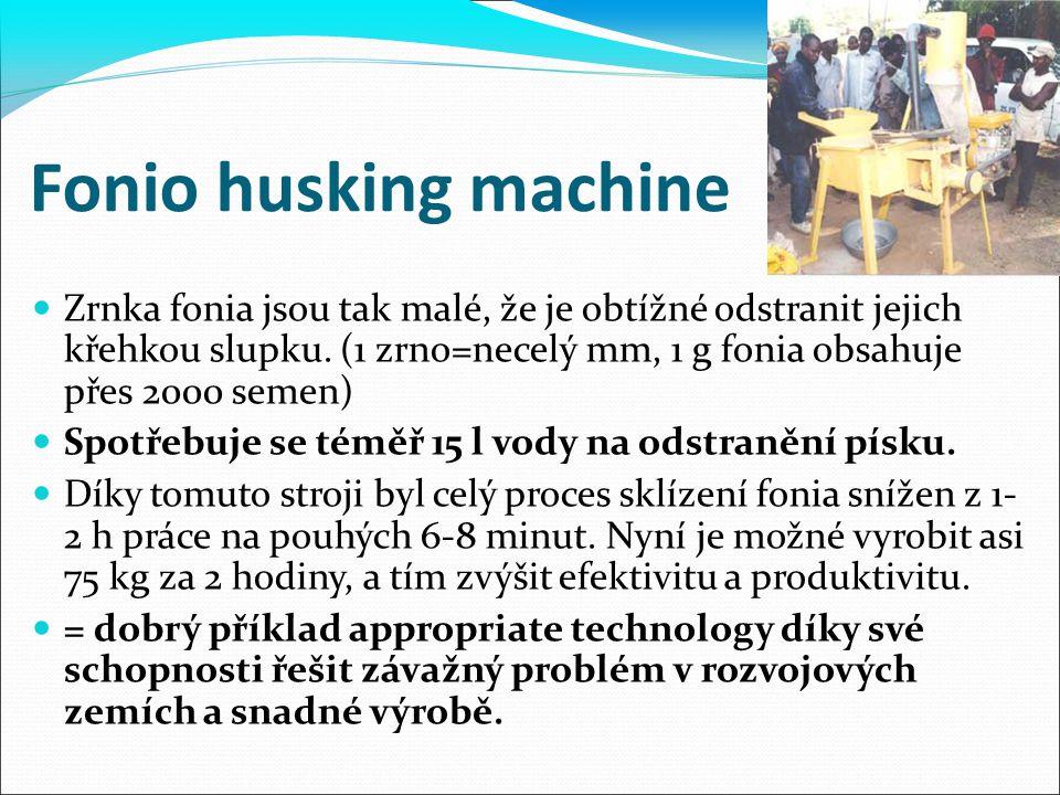 Fonio husking machine Zrnka fonia jsou tak malé, že je obtížné odstranit jejich křehkou slupku. (1 zrno=necelý mm, 1 g fonia obsahuje přes 2000 semen)